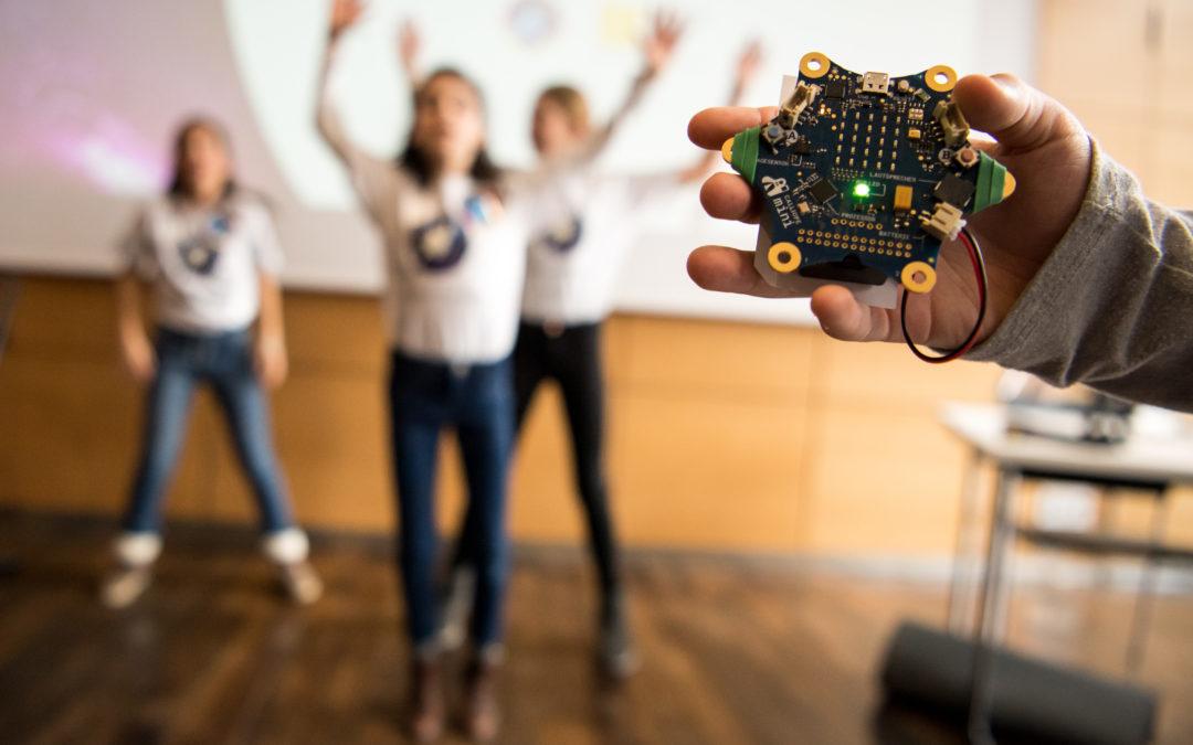 Programmieren für den Weltraum mit »Code4Space«: KiKA zeigt, wie es geht – Fraunhofer IAIS verschenkt 1000 »Calliope mini« an Grundschulkinder
